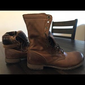 Overland leather boots